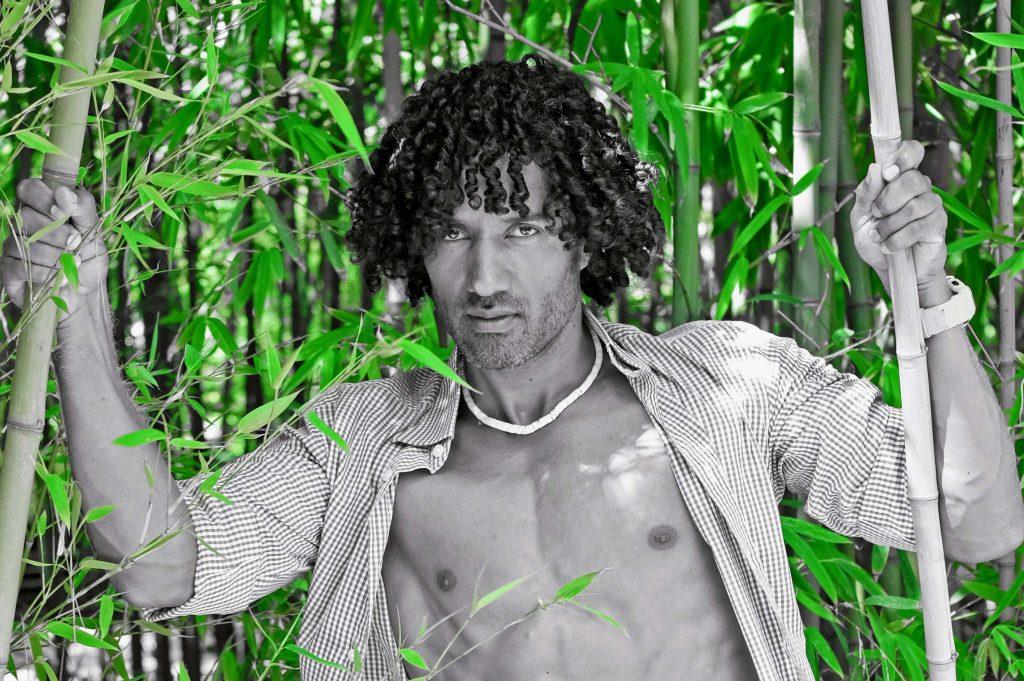 About VeganFood-FitnessCoach Karlo Grados Sixpack vegan abnehmen Muskeln aufbauen Stilberatung für Männer KarloGStyle Mens Fashion