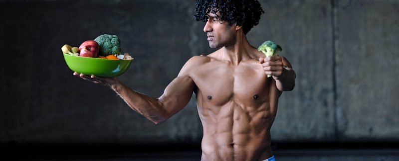 VeganFood-FitnessCoach Karlo Grados, persönliche Ernährungsberatung Male Model Photography Roman Novitzky